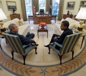 President_George_W._Bush_and_Barack_Obama_meet_in_Oval_Office