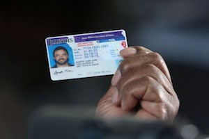 Undocumented immigrants get driver's licenses in Illinois