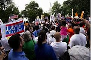 Hundreds attend Arlington immigration rally